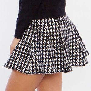Dresses & Skirts - Woven Trumpet Checker Skate Skirt