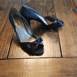 Beautiful Kenneth Cole heels
