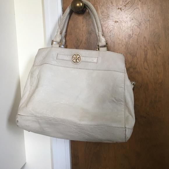 e4d7cefbb61 Tory Burch cream leather shoulder bag. M 59bead87522b45ad9b081fb2