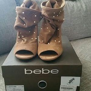 bebe Vida Cognac Heels