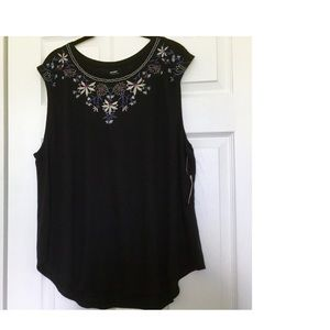 Old Navy Floral Embroidery Top