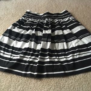 Fit and flare skirt with pockets