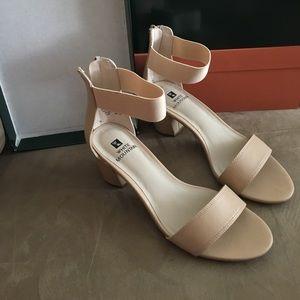 Cute tan heels!!