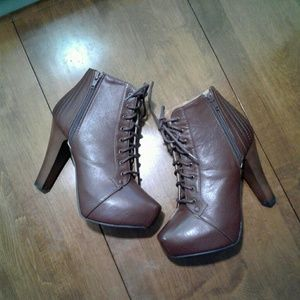 CHARLOTTE RUSSE lace up brown boots.. sz. 7