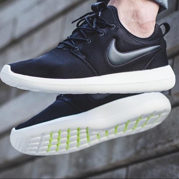 1eaea0fa3d78 Nike Shoes - Nike Roshe Two