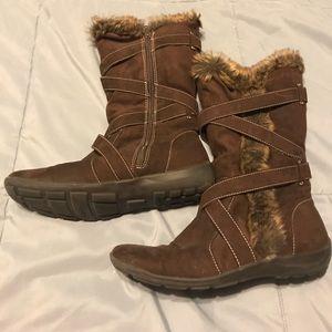 Women's natural soul fur boots