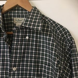 Men's L.L. Bean Green Plaid Button Down Shirt