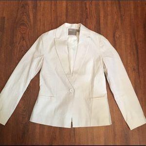 Women's white linen blazer