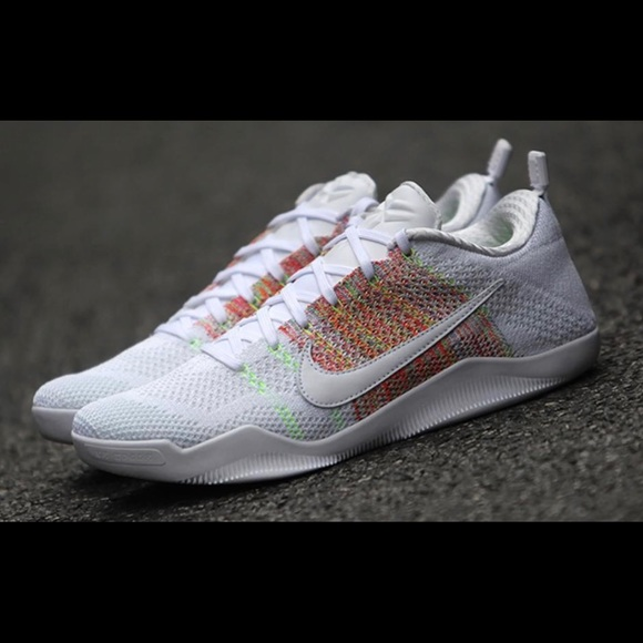 cheap for discount 2f476 91a51 Nike Kobe 11 Elite Low 4KB White Horse Shoe. M 59bec0b9bf6df5c33d087ec8