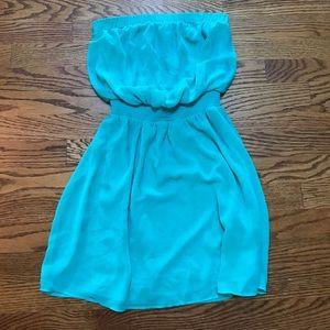 🌸EXPRESS🌸Seafoam Green Strapless Dress
