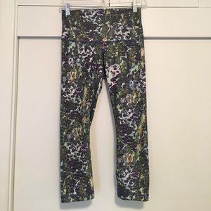 Lululemon High Rise Cropped Pants sz 4