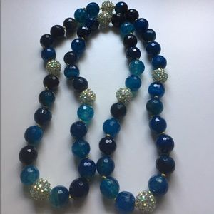 Jewelry - Beautiful blue and crystal bead necklace