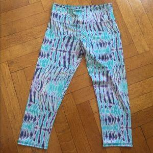 Like new, colorful, Onzie capri length leggings!