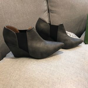 Grey pointy ankle boots