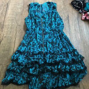 Sleeveless dress with tutu end
