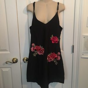 Romwe black and flower dress- large