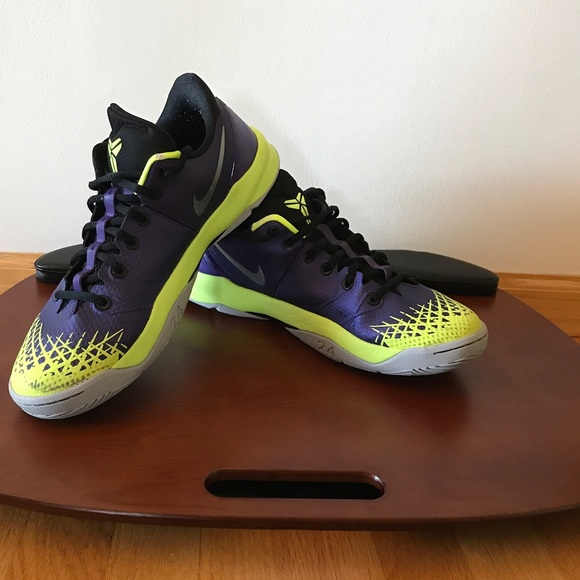 hot sales 370f8 74781 Used Kobe NIKE ZOOM KOBE VENOMENON 4 PURPLE VOLT. M 59becbc92ba50a57bf08d54a