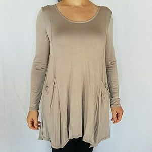 Uneven hem tunic with pockets