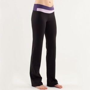 Lululemon Astro Pant in Black/Concord Grape
