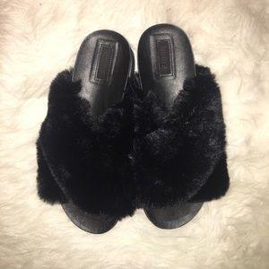Forever 21 black furry slides never worn size 9