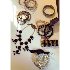 Jewelry - Jewelry Bundle: Bracelets & necklace