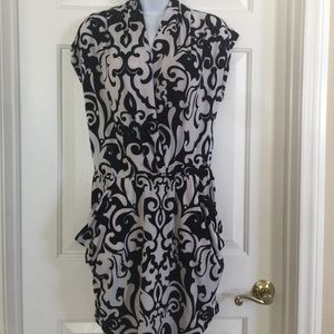 Black & white dress with pockets