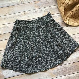 Cooperative Daisy Skater Skirt size XS