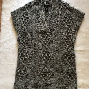 H&M Gray Sleeveless Sweater Pullover Women's XS.
