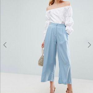 Pleat Front Woven Culotte Pants never worn