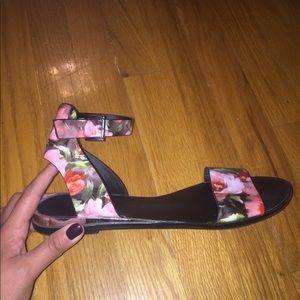 Nine West Rose Flower Sandals - Size 9.5