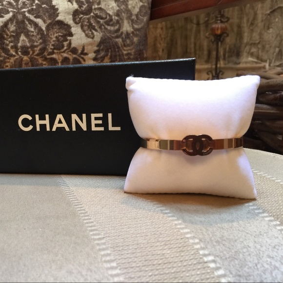 f3ad3f2aa199c0 Chanel Bracelet.Perfect Condition!