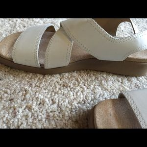 Rockport Shoes - Rockport white sandals 8.5 wide
