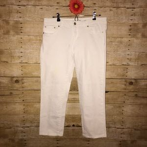 Lilly Pulitzer White Capri Jeans. Palm Beach Fit