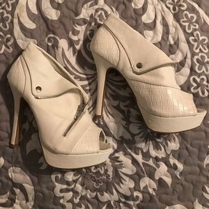 Body Central White Zipper Heels 5""