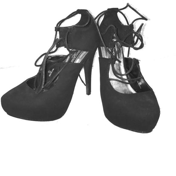85b9b0a656c Black lace up ballerina style high heels NWT