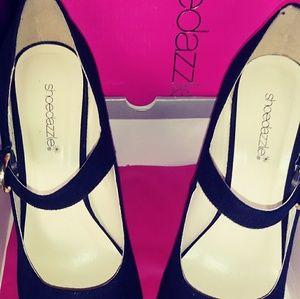 Shoe Dazzle platform Heels