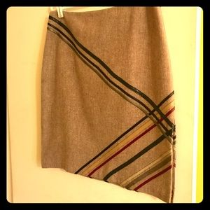 Herringbone pencil skirt with diagonal appliqué