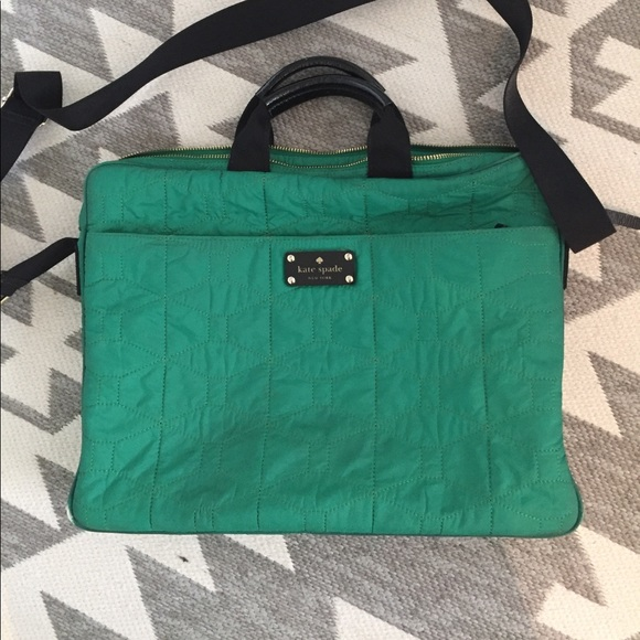 newest 71e5a 2cb71 Kate Spade Kelly green laptop bag