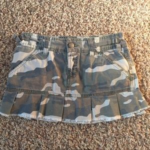 Camo mini skirt size 3