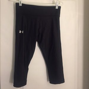 Under Armour compression capris, black, size M