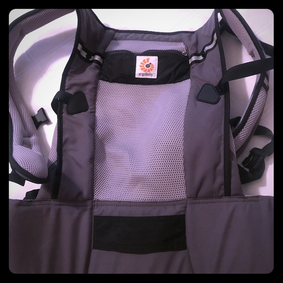 903fcaaefba Ergobaby Other - Ergobaby Ventus cool mesh carrier