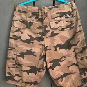 Billabong camo cargo shorts