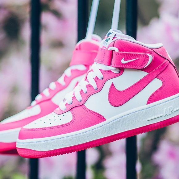 NIKE AIR FORCE 1 ONE NEON PINK