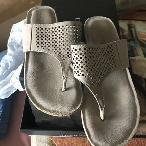 Ellen Tracy NEW wedge slides only tried on W BOX