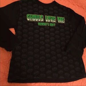 Other - Ghouls Love Me Shirt