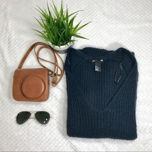 ✨CLEARANCE✨Navy H&M knit sweater