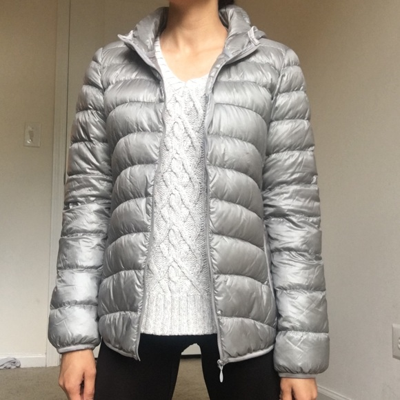 f12aa7f7a UNIQLO Ultra light Down Puffer Coat ( + Pouch). M_59bf1a9c522b459f550a467d.  Other Jackets & Coats ...