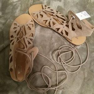 Brand New NEVER worn sexy sandals