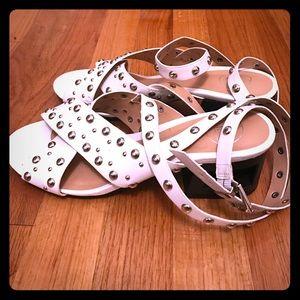 Trendy White Studded Block Heeled Sandals *Size 6*