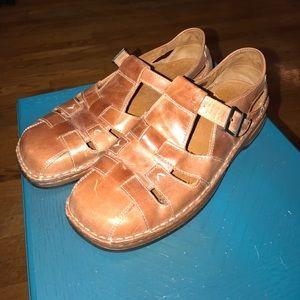 Adorable sandal